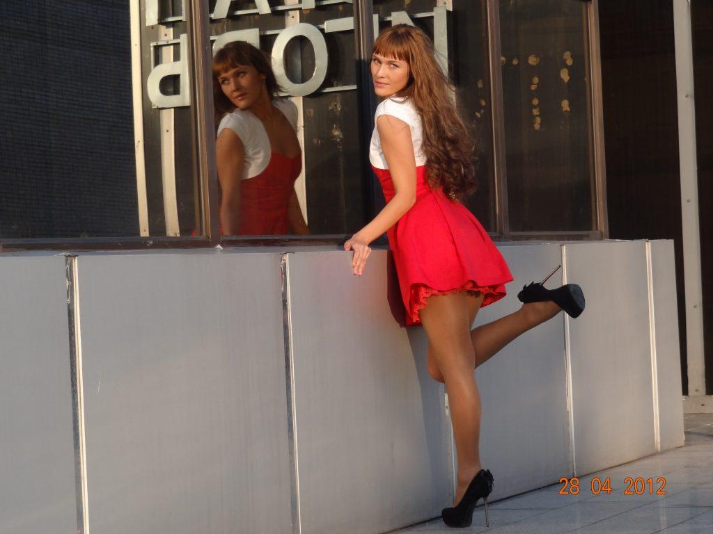 Девушки в короткой одежде
