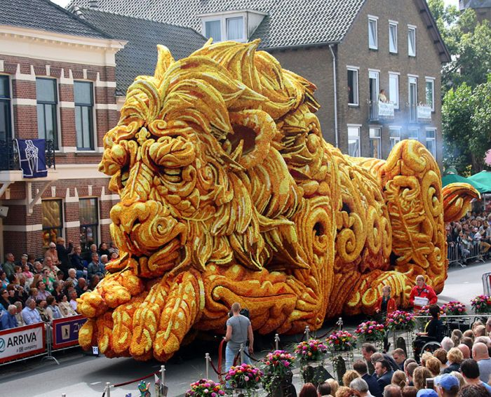 flower_sculpture_parade_01