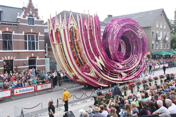 flower_sculpture_parade_03