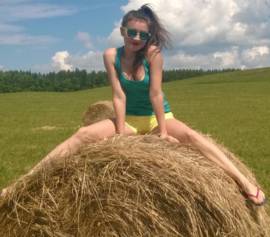 072_zabavnie_devushki