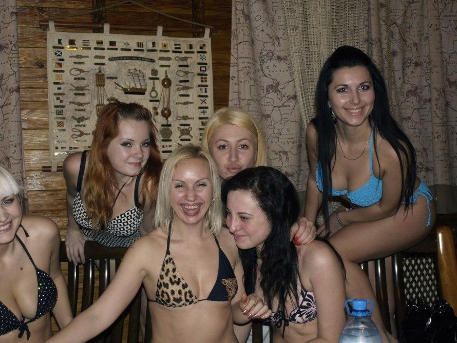 Подборочка фоток забавных и пошлых девушек