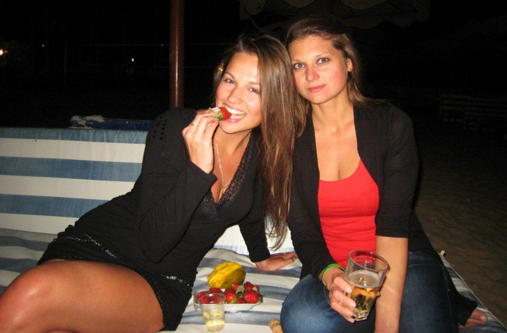 Пошлые забавные девки