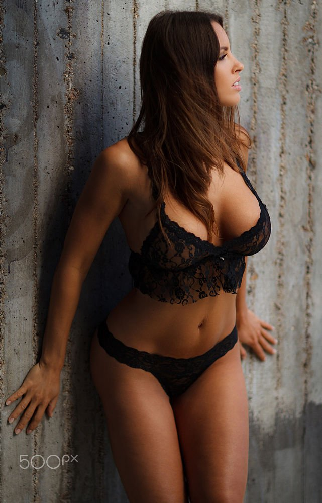 Большие груди у девушек