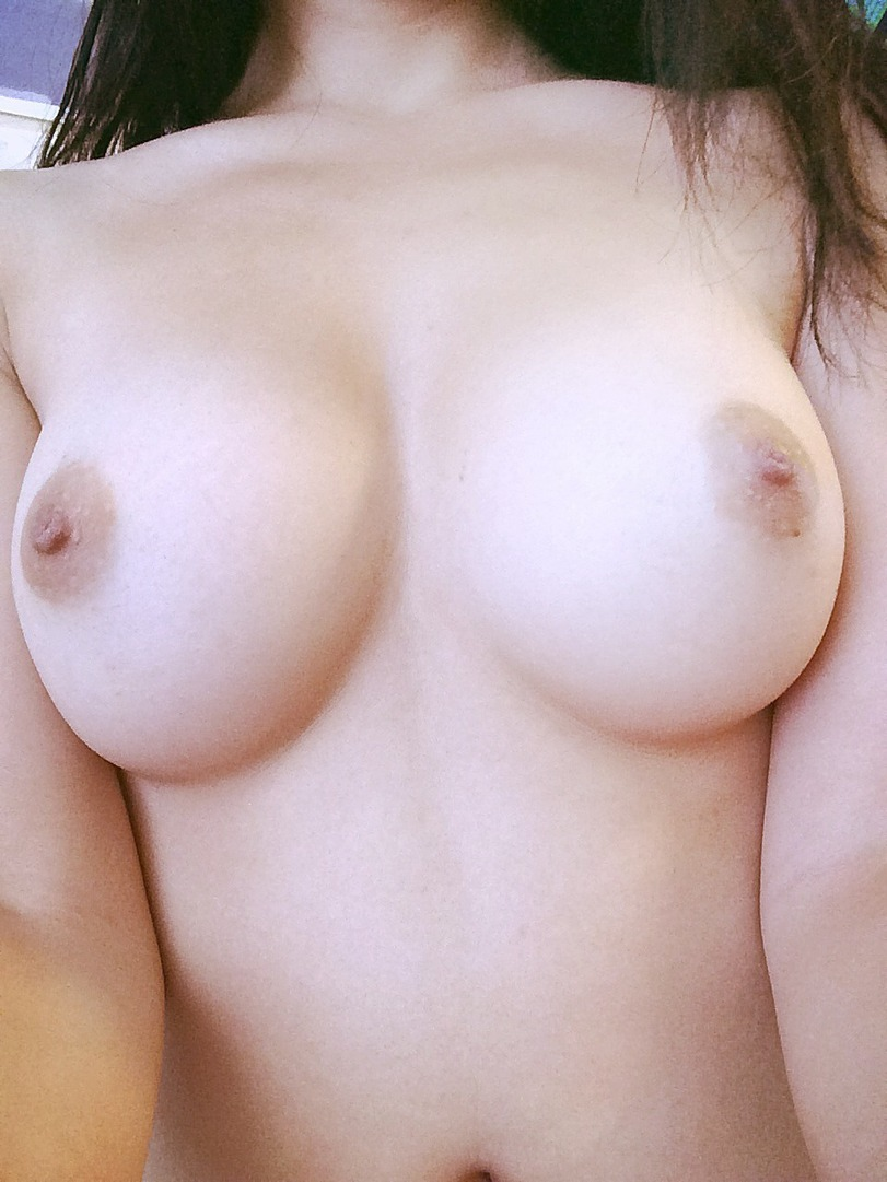 golie-siski-3-razmera-foto