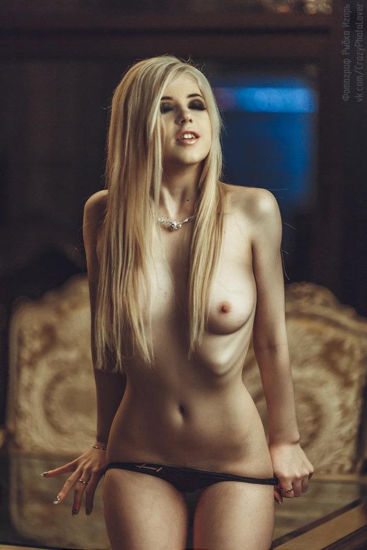069_Erotica-1.jpg