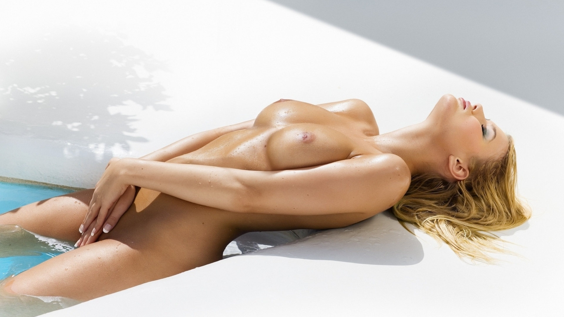 Quesnel nackt Chantal  Bing