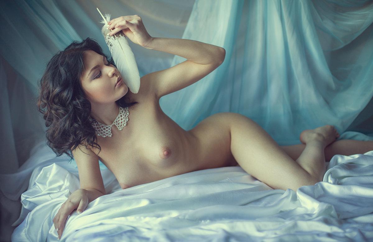 Эротика красивая девушка, Эротика, смотретьонлайн эро видео с красивыми 11 фотография