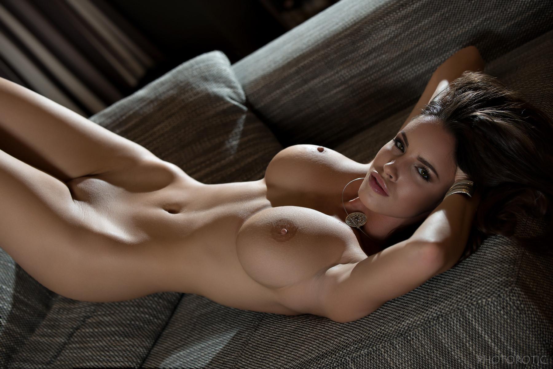 Cute Female Nudes