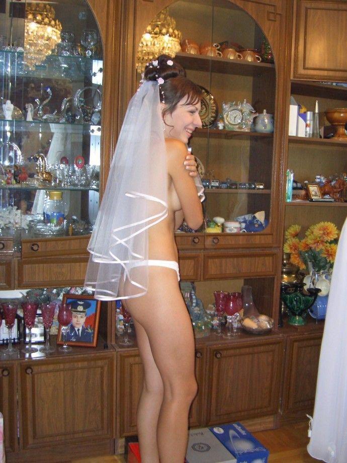 Невесты: волнительные сборы... (8 фото)